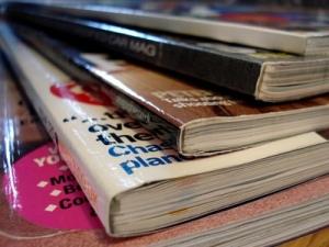Pile of glossy magazines - photo: bravenewtraveler